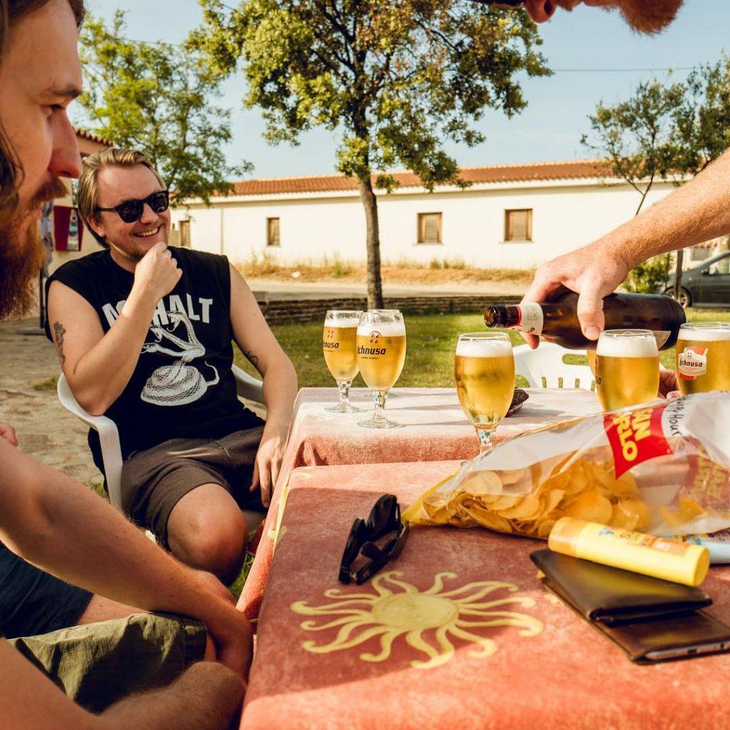 Những luật ngầm bạn cần biết khi uống bia tại Đức