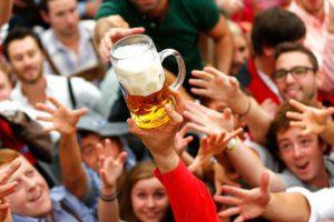 """Lý do bia nhập khẩu tại Đức không được gọi là """"bia"""""""