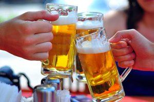 Trước khi uống rượu bia, cần tránh những món nào?